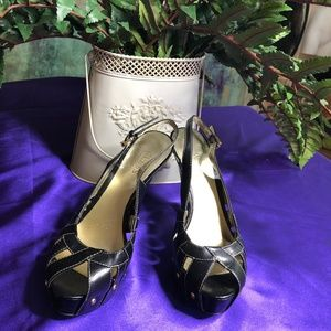 💜 Guess Sandals plateau with metallic rivets